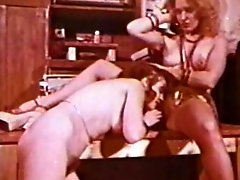 Lesbian Peepshow Loops 659 70s and 80s - Scene 1