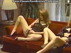 Two chicks gets fucked