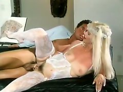 Italian porn babe with blond hair gets shagged in sideways pose