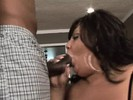 Older brunette bitch with a great shows how she likes to be pleased