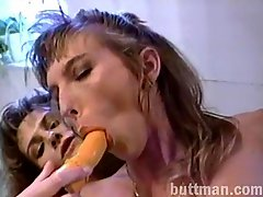 Amateur lesbian cunt lickers toy fucking in retro porno