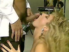 Insatiable office slut gives her lover an amazing blowjob