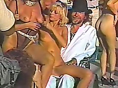 Amateur bitches show their nude bodies in retro reality video
