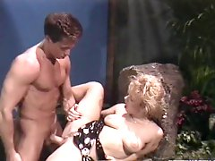 Lusty blond babe Kristarah Knight likes it huge
