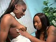 Ghetto skanks share white cock