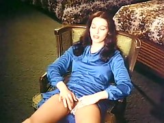 Girl in blue dress masturbates in vintage move