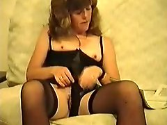 Miss Terry rubs her pussy and cums
