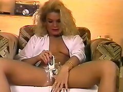 DreamGirls - Watch Me Shave 1-2