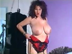 Curvy 80s babe dances in her sexy lingerie