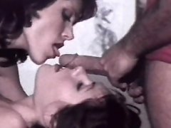 Retro babes sharing cock in threesome