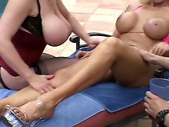 Candi Cox & Kat Cleavage threesome by the pool